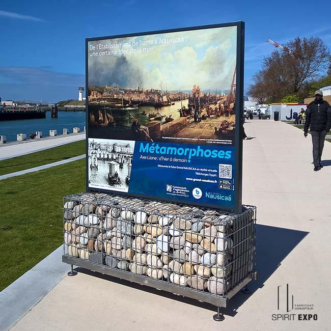 mobilier urbain pour exposition et affichage extérieur sur pieds