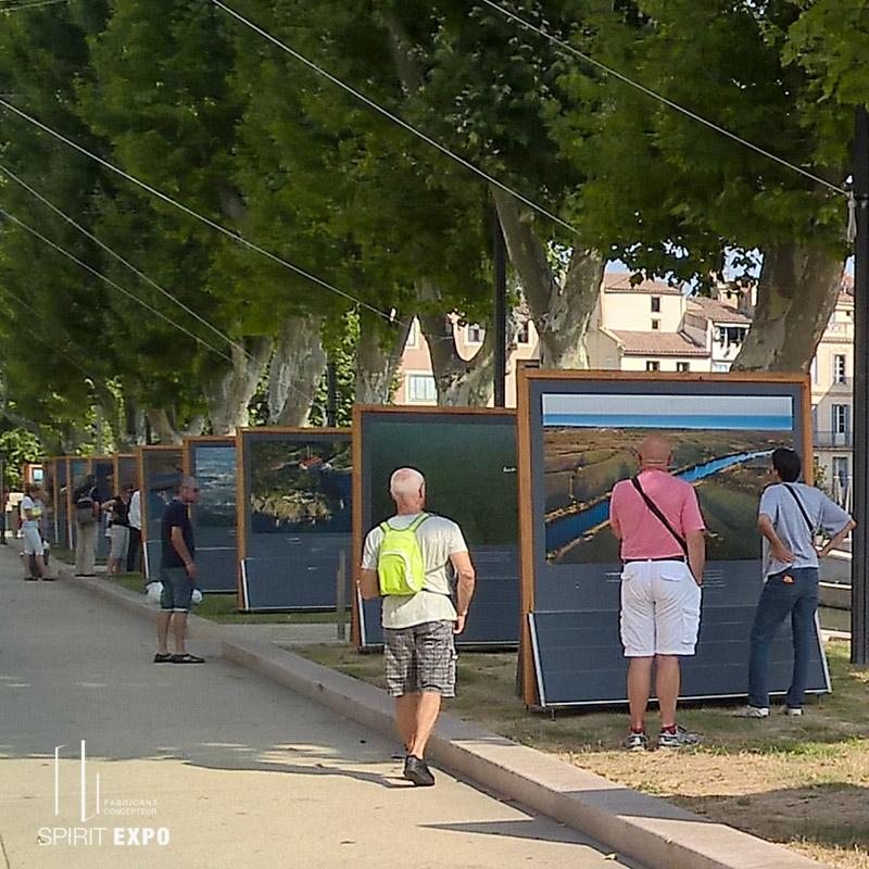 support exposition photos en extérieur