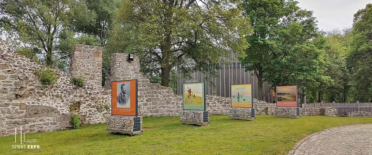 Expo photos extérieur Château d'Hrdelot