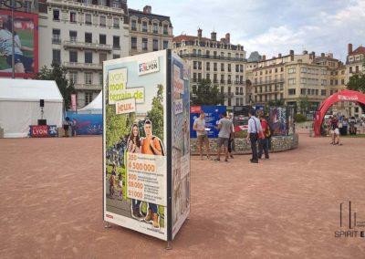 support totem exposition en extérieur Lyon