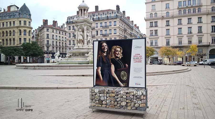 Support exposition photos Lyon lumiere