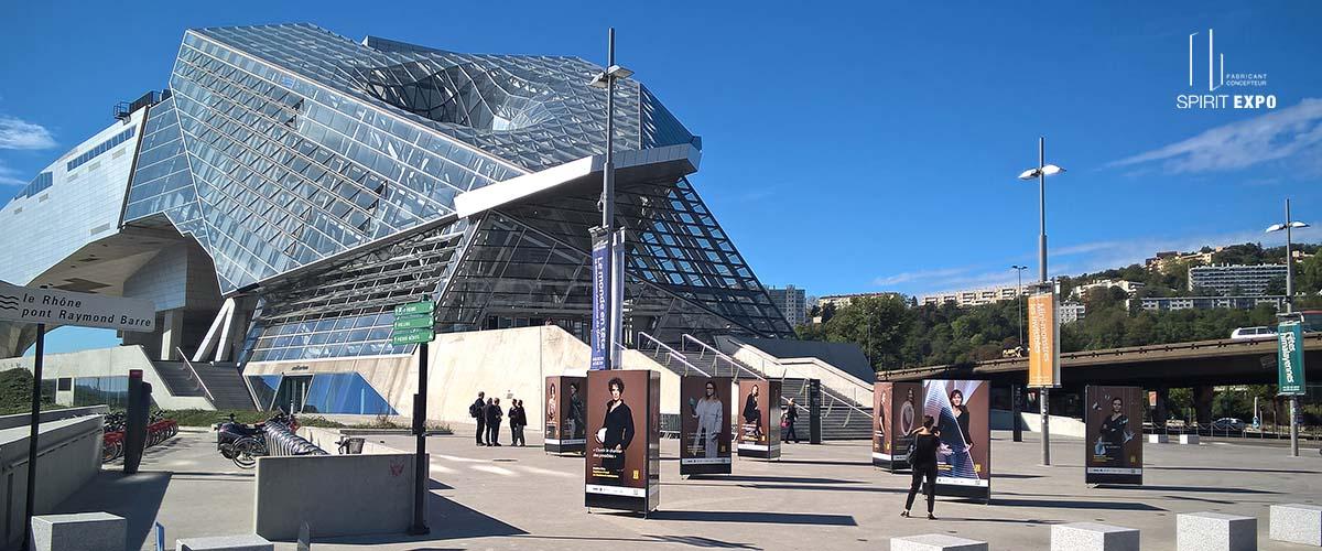 Exposition photos extérieur Confluences CNRS