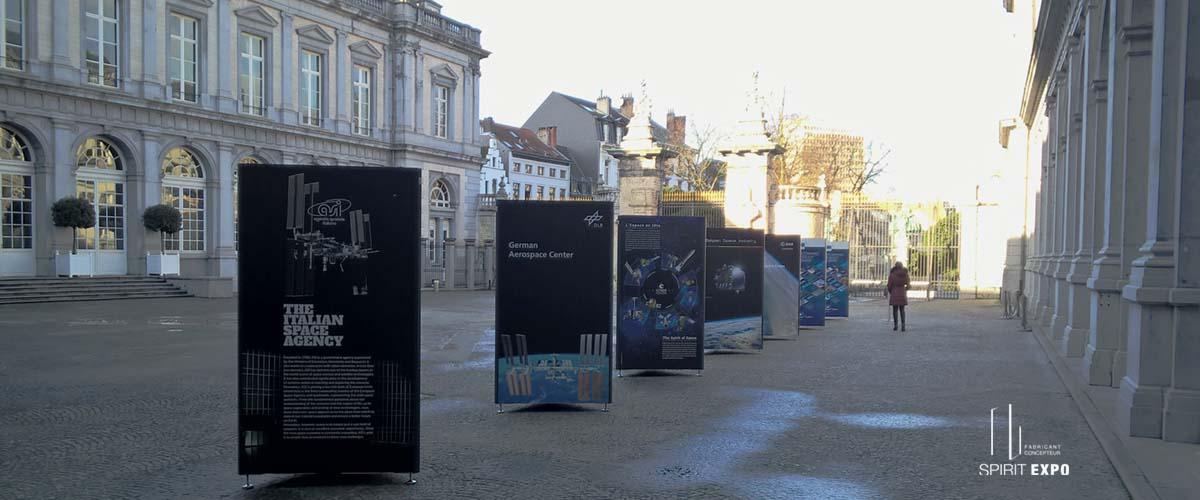 location totem expo extérieur Bruxelles