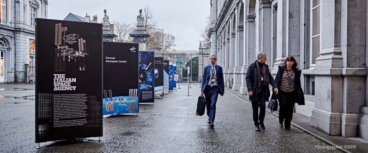 location totem expo temporaire_Bruxelles