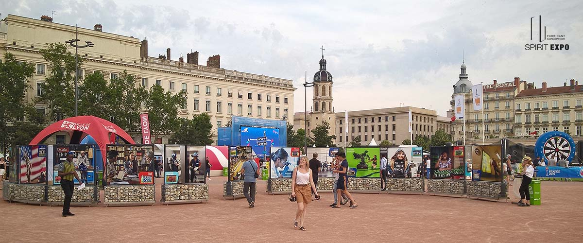 panneaux exposition photos extérieur Lyon FIFA